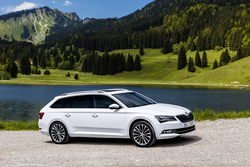 Skoda Superb Combi in Sixt SWMR