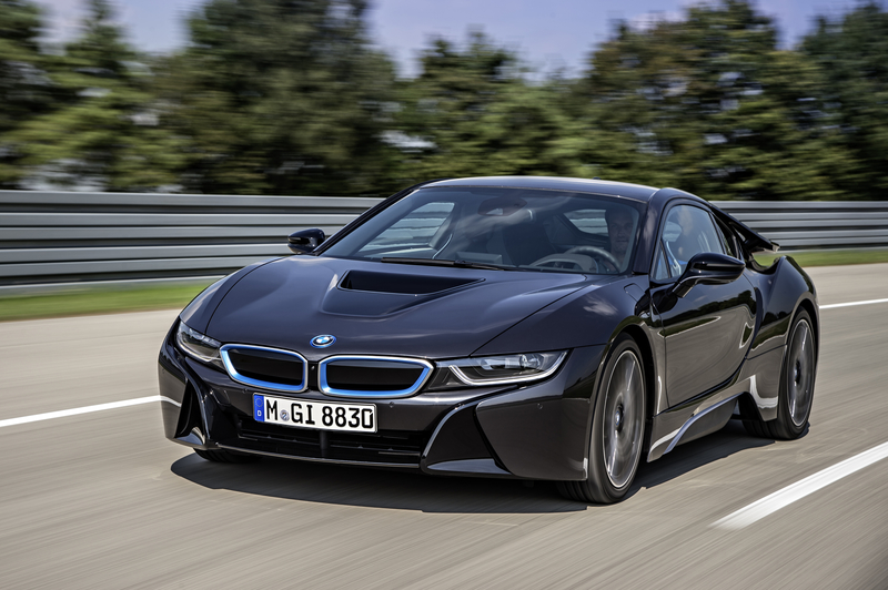 Sixt Luxury Cars: BMW i8 in XSAE