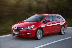 Opel Astra Sports Tourer in Sixt CWMR